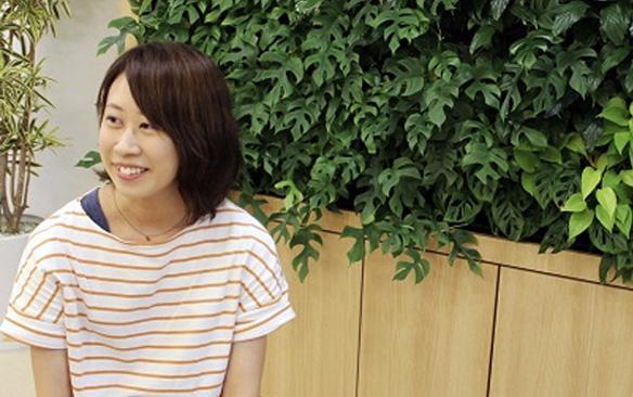 井上 智子さん:【転職】靴の販売員からデザイン業界へ転職